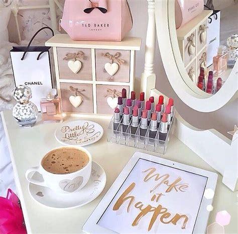 Makeup Decor by 25 Best Ideas About Makeup Vanity Decor On