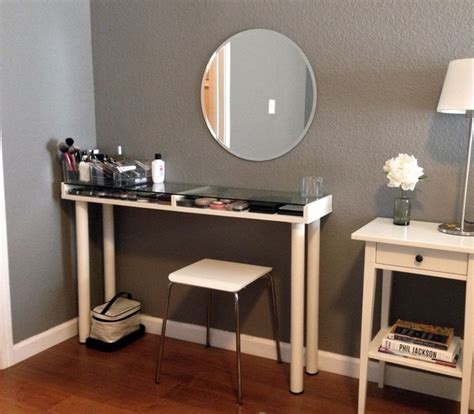 Ikea Corner Bedroom Vanity by Best 25 Corner Makeup Vanity Ideas On