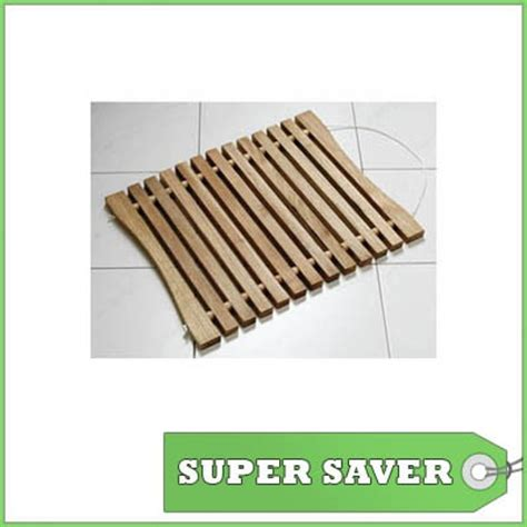 Wooden Slatted Bath Mat by 17 Best Images About Wood Slats On Wood Tray