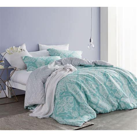 aqua bedspreads and comforters 25 best ideas about aqua comforter on pinterest teal