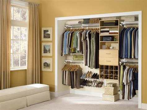 Small Walk In Closet Design Layout by Modern Interior Small Walk In Closet Design Layout
