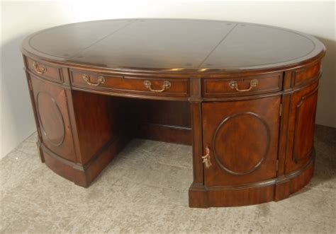Perimetre D Une Table Ovale by Acajou Bureau Archives Antiquites Canonbury