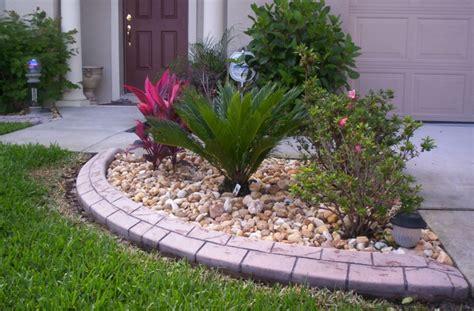 imagenes de jardines hechos con piedras como hacer un jard 237 n con piedras rocas y plantas