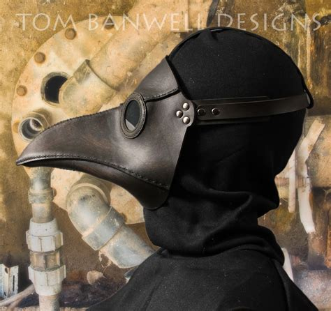 Dr Becco Venezia Black plague doctor s mask in black leather classic black