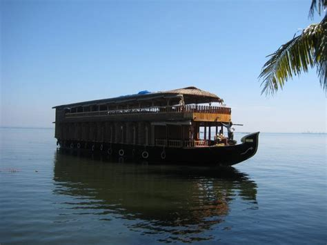 honeymoon packages kerala boat house munnar boat house photos