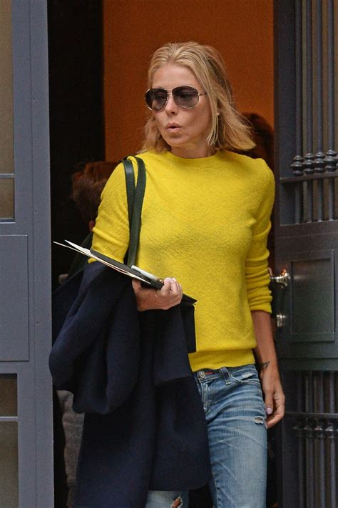 kelly rippa 2015 kelly ripa leaving her apartment in new york city