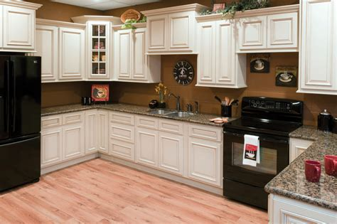 Bargain Outlet Kitchen Cabinets Faircrest Heritage White Kitchen Cabinets Bargain Outlet