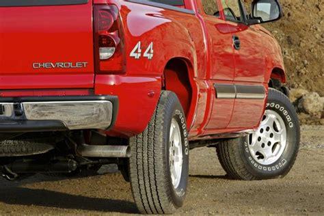 2001 2006 Chevrolet Silverado 2500 HD Used Truck Review Autotrader
