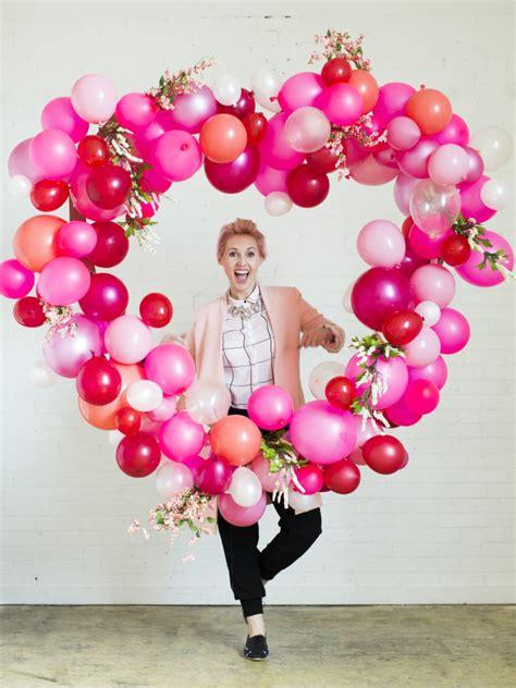 Valentine s day balloon heart