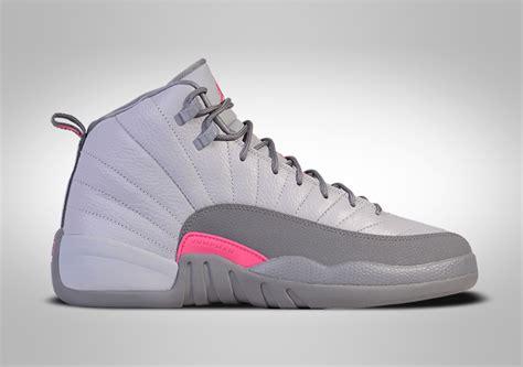 Sepatu Basket Airjordan12 Wolf Grey Nike Air 12 Retro Wolf Grey Pink Pour 119 00