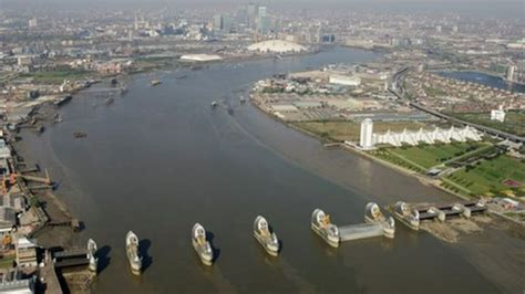 thames barrier bbc bitesize thames barrier could be breached by rising sea bbc news