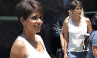 Halle Sets The Record Hollyscoop by Halle Berry Arrives On Extant Set For New Sci Fi Series In