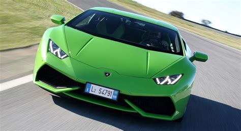 Buy A New Lamborghini by Buy A New House In Dubai And Get A Free Lamborghini