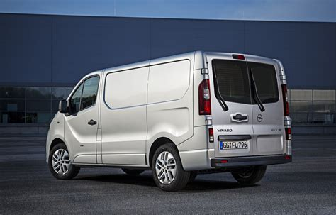 2015 opel vivaro 2015 opel vivaro photo gallery autoblog