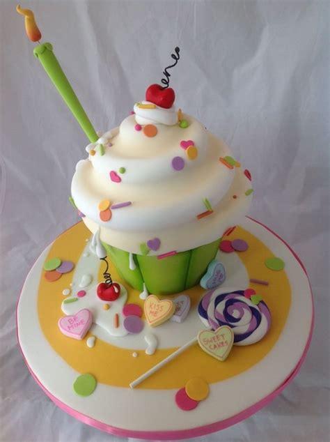 Cupcake Birthday Cake by Birthday Cakes For The Birthday Design Dazzle
