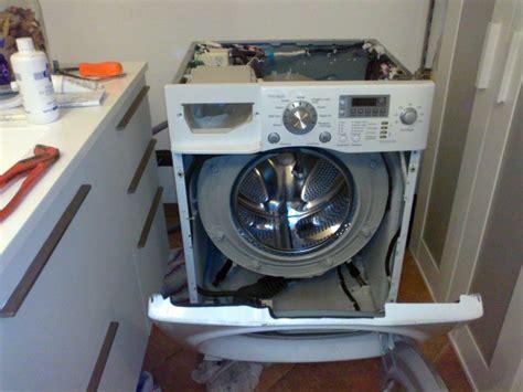 Come Cambiare La Guarnizione Dell Oblò Della Lavatrice by Come Sostituire Ammortizzatori Lavatrice Fare Di Una Mosca