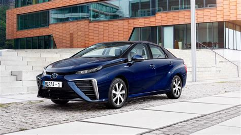 Toyota Complaints Department Uk Toyota Mirai 2015 Hydrogen Fuel Cell Vehicle Review By