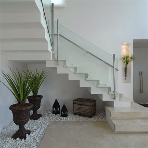 decorar debajo delas escaleras interiores 20 ideas extraordinarias decorar bajo la escalera con