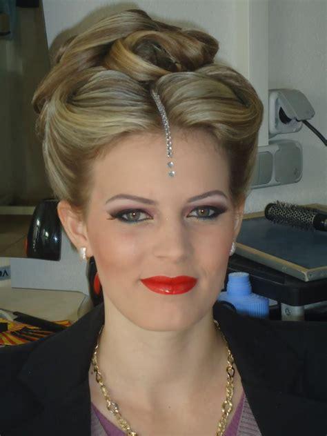 frizura te thjeshta per nuse salloni frizura february 2013