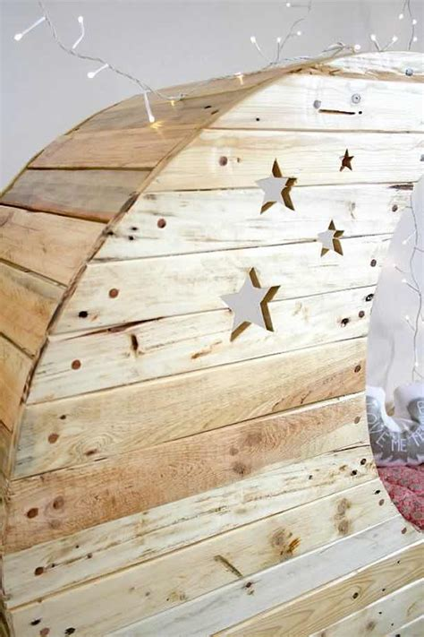 Pallet Crib Moon Shaped Baby - moon cradle baby bed from pallet wood by creme anglaise