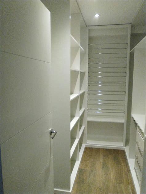 vestidor zapatos vestidor en blanco barras para zapatos cajoneras