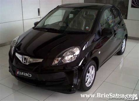 Honda New Brio Satya E M T mobil kapanlagi dijual mobil bekas surabaya honda
