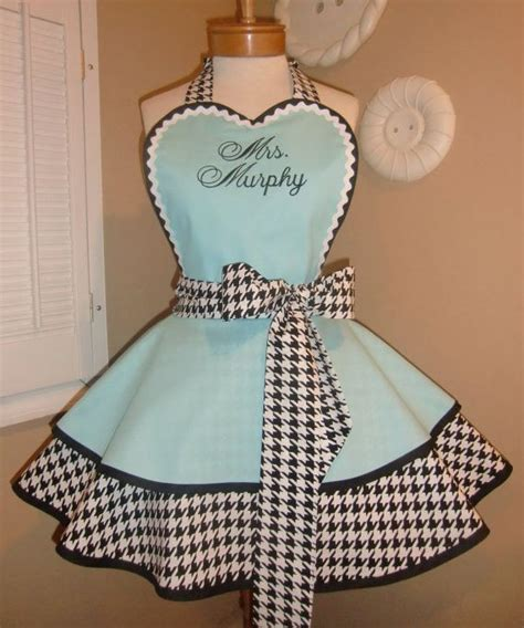 heart pattern apron houndstooth womans retro apron featuring heart shaped bib