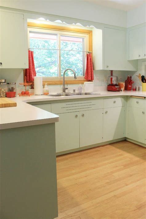 1950s kitchen furniture 1950s kitchen i like the mint cabinets could this work