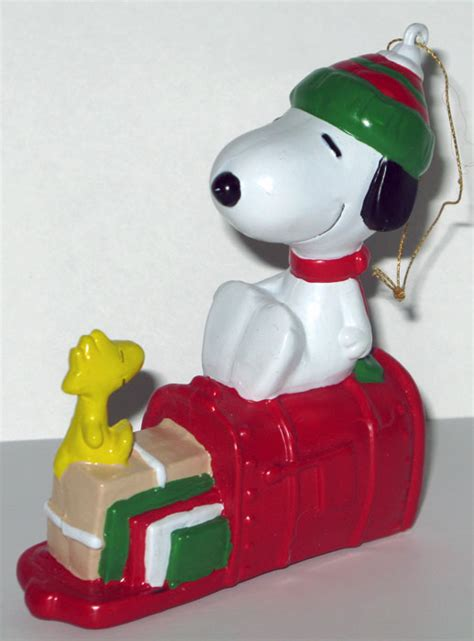mailbox ornaments snoopy woodstock on mailbox ornament collectpeanuts
