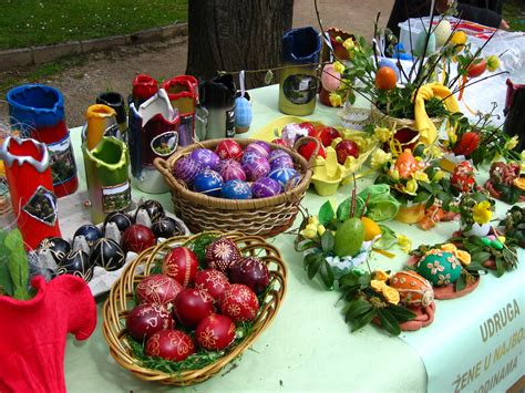 10 Prettiest Easter Decor Items by 10 Beautiful Slavic Easter Egg Decorations To Inspire You