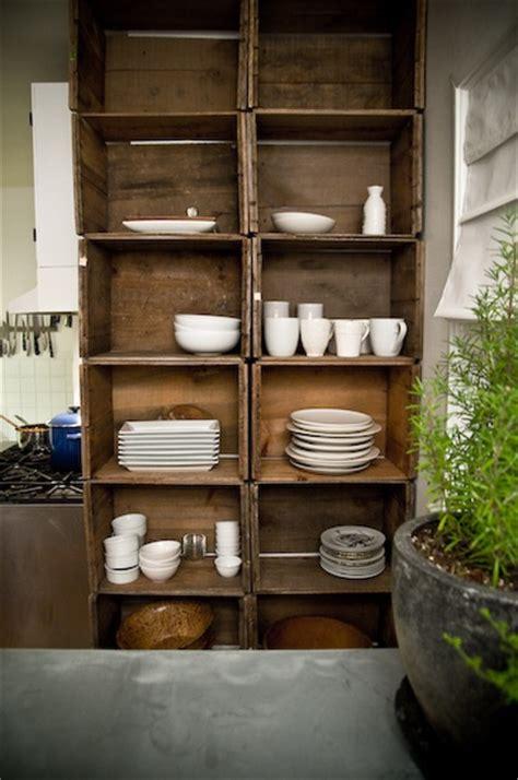 alacena con cajas de madera como decorar con cajas de madera decoraci 243 n reciclar