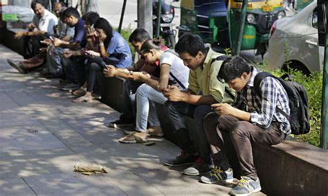 mobile news india india crosses 1 billion mobile users