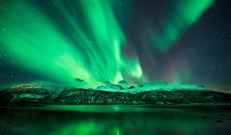 Northern Lights 2009 by See The Northern Lights In Iceland Luxury Holidays With