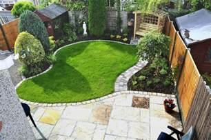 Small Square Garden Design Ideas Small Garden Ideas Search Garden Gardens Small Towns And Search