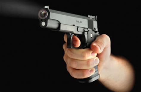 omicidi per me riviera oggi 187 colpo di pistola al torace salva per miracolo