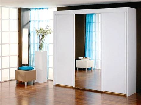 White Sliding Door Wardrobes Uk by New York 3 Door 1 Mirror Sliding Door Wardrobe In White