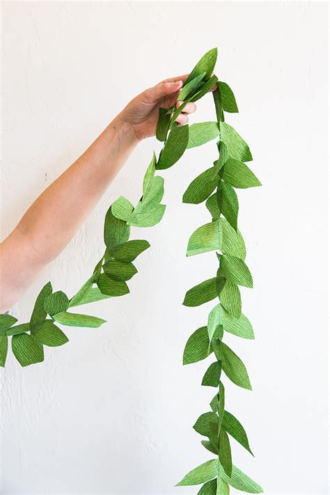 How To Make A Leaf Out Of Paper - diy paper leaf garland the house that lars built