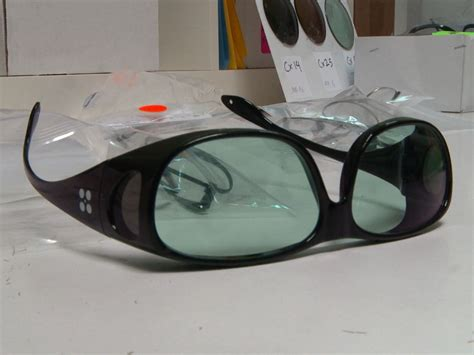 glasses for color blind company claims new glasses will help color blind