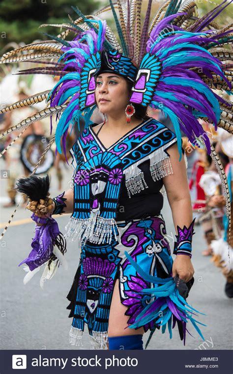 imagenes de trajes aztecas member of danza azteca xipe totec performing in the