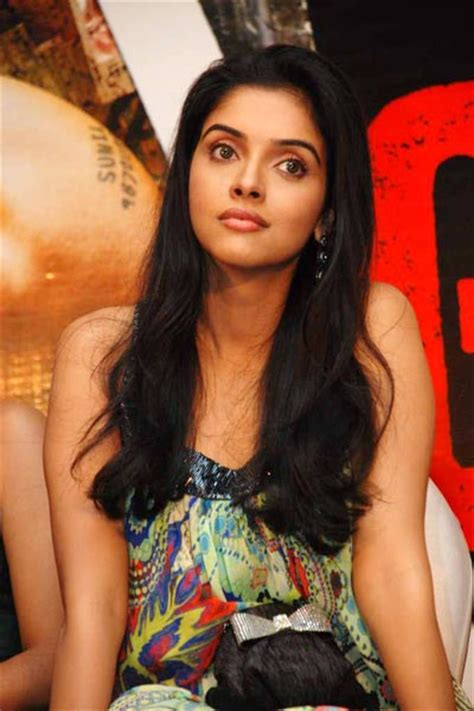 actress name of ghajini movie ghajini success bash aamir asin jiah and a r