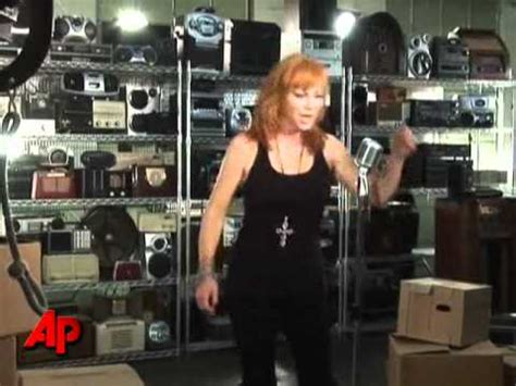 watch reba s empowering new going out like that video reba mcentire heats up in new video youtube