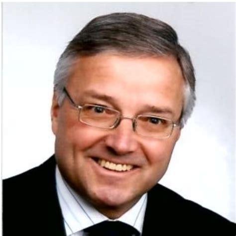 Manfred Sostmann Leiter Firmenkunden Gebiet S 252 D Ost