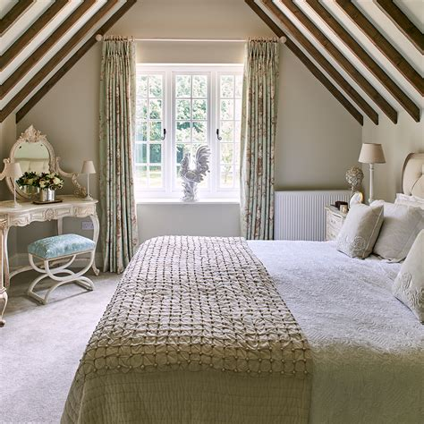 cottage bedroom ideas  give  home country style
