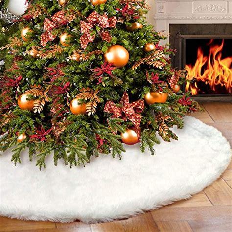 tappeto sotto albero di natale aerwo faux fur tree skirt 48 inches snowy white