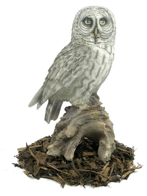 grey owl resin garden ornament 163 29 24 garden4less uk