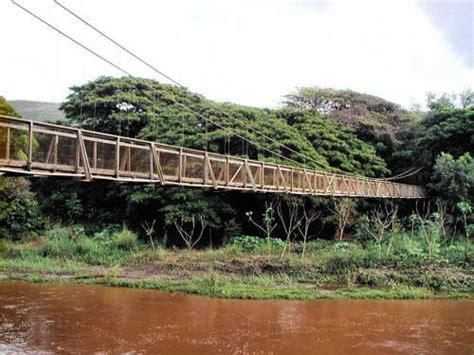 swinging bridge kauai waimea swinging bridge kauai only in hawaii