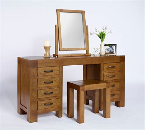 Bathroom Vanity Tables by Bedroom Luxurious Bedroom Interior Design With Mirrored