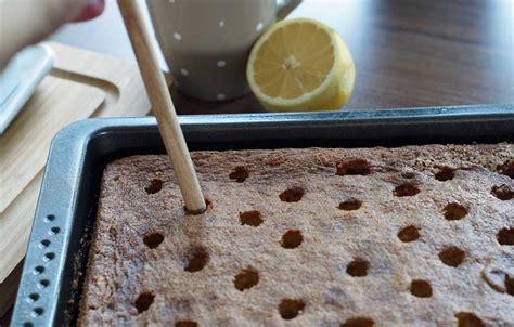 stäbchenprobe kuchen blueberry lemon poke cake schichtkuchen mit blaubeeren