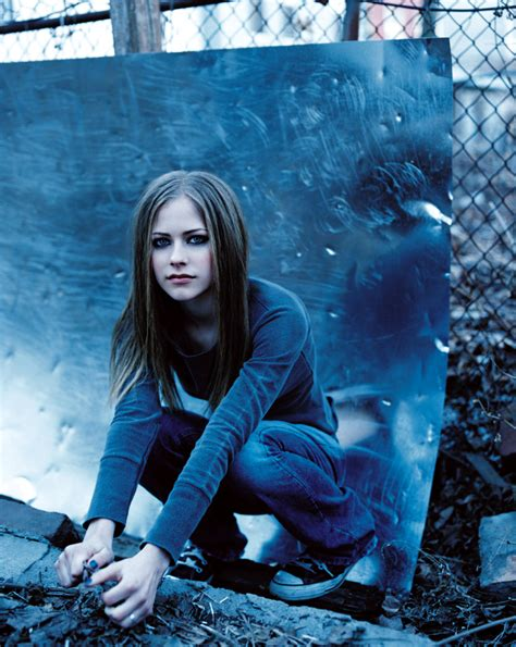New Promo For Avril Lavigne by Avril Lavigne Photoshoot 002 Complicated Promo 2002