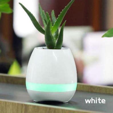 Jo Bt Bunga Blue flower pot vas bunga dengan speaker bluetooth blue jakartanotebook